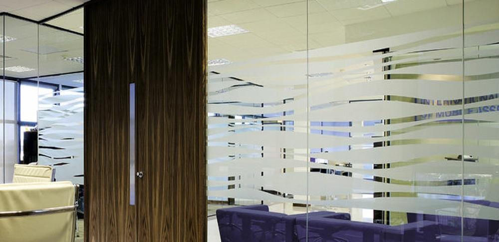 Aspire Office Solutions – Frameless Glass Partitioning Polar Single 4