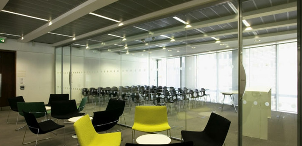 Aspire Office Solutions – Frameless Glass Partitioning System Polar Vision