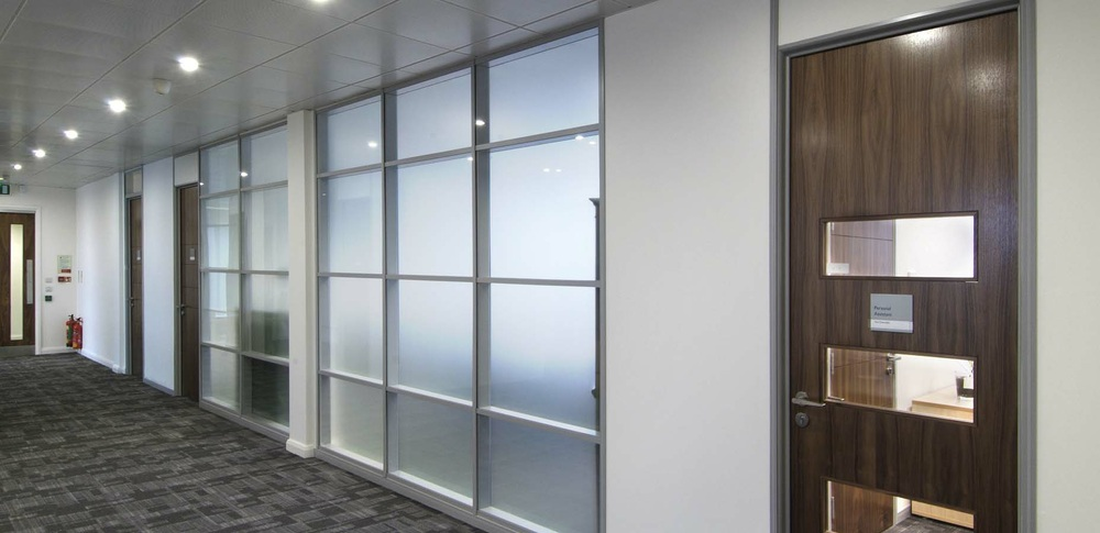 Aspire Office Solutions – Glass Partitioning System 6000 3