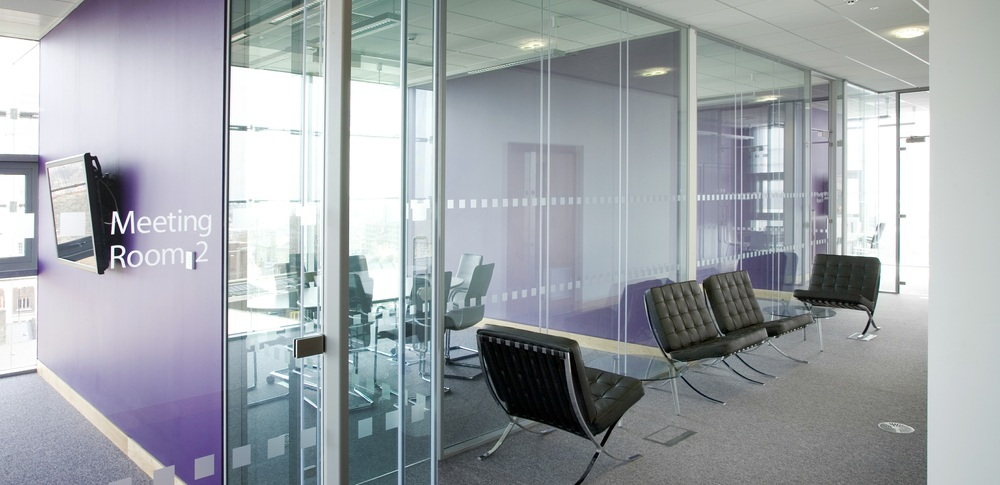Aspire Office Solutions – Glass Partitioning System 8000 3