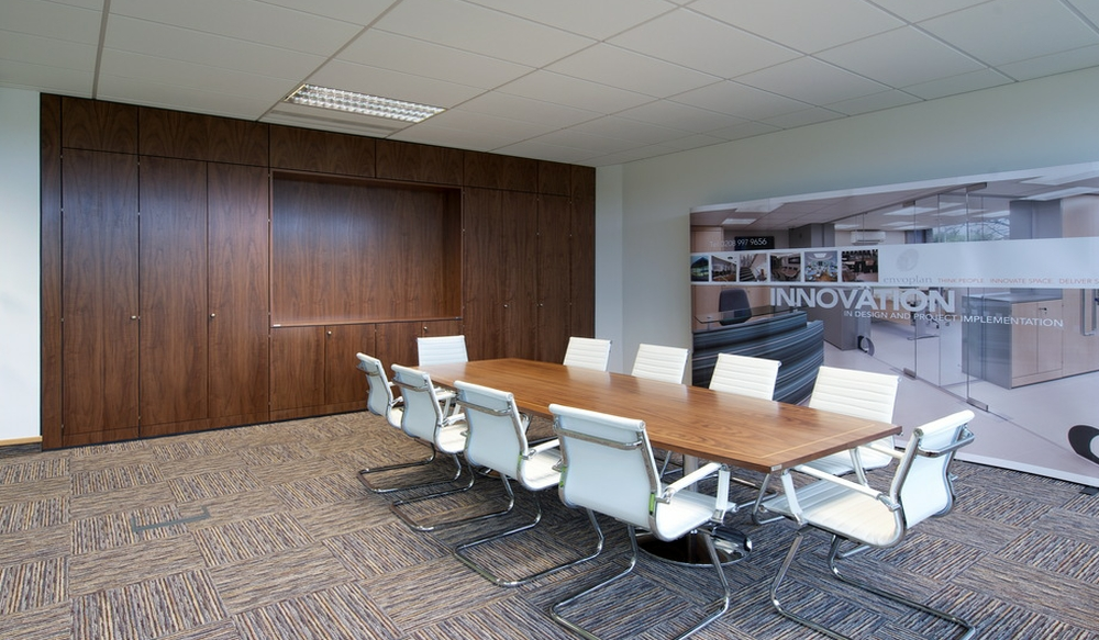 10 Boardroom Storage Wall - Ref SPS2