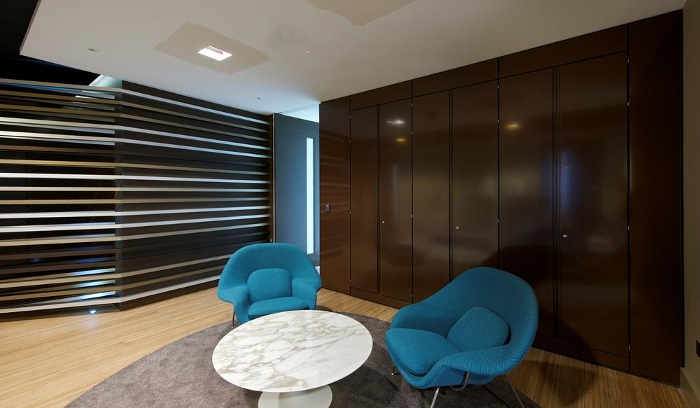 8 Reception Storage Wall – Ref SPS5